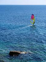 Surfer, Strand von Chiessi , Elba, Region Toskana, Provinz Livorno, Italien, Europa<br /> surfer, beach of Chiessi, Elba, Region Tuscany, Province Livorno, Italy, Europe