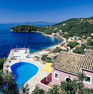Greece, Corfu, Kalami: Beach resort on North East coast of island | Griechenland, Korfu, Kalami: Badeort und Strand an der Nordostkueste