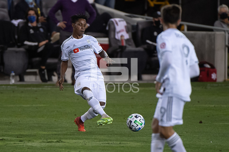 SAN JOSE, CA - NOVEMBER 04: Latif Blessing #7 of the Los Angeles FC passes the ball during a game between Los Angeles FC and San Jose Earthquakes at Earthquakes Stadium on November 04, 2020 in San Jose, California.
