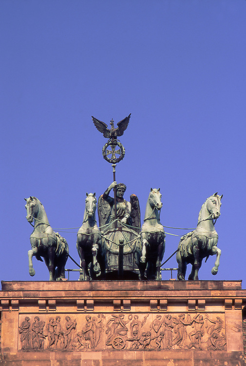 Europe, DEU, Germany, Berlin, Berlin, Brandenburg Gate, Quadriga.....[ For each utilisation of my images my General Terms and Conditions are mandatory. Usage only against use message and proof. Download of my General Terms and Conditions under http://www.image-box.com or ask for sending. A clearance before usage is necessary...Material is subject to royalties. Each utilisation of my images is subject to a fee in accordance to the present valid MFM-List...Contact | archive@image-box.com | www.image-box.com ]