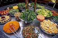 Buffet de comida por quilo. SP. Foto de Manuel Lourenço.