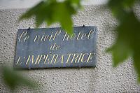 Europe/France/Aquitaine/40/Landes/Eugénie-les-Bains: Les Prés d'Eugénie Hotel-Restaurant de Michel Guérard -Plaque du Vieil hotel de l'Impératrice