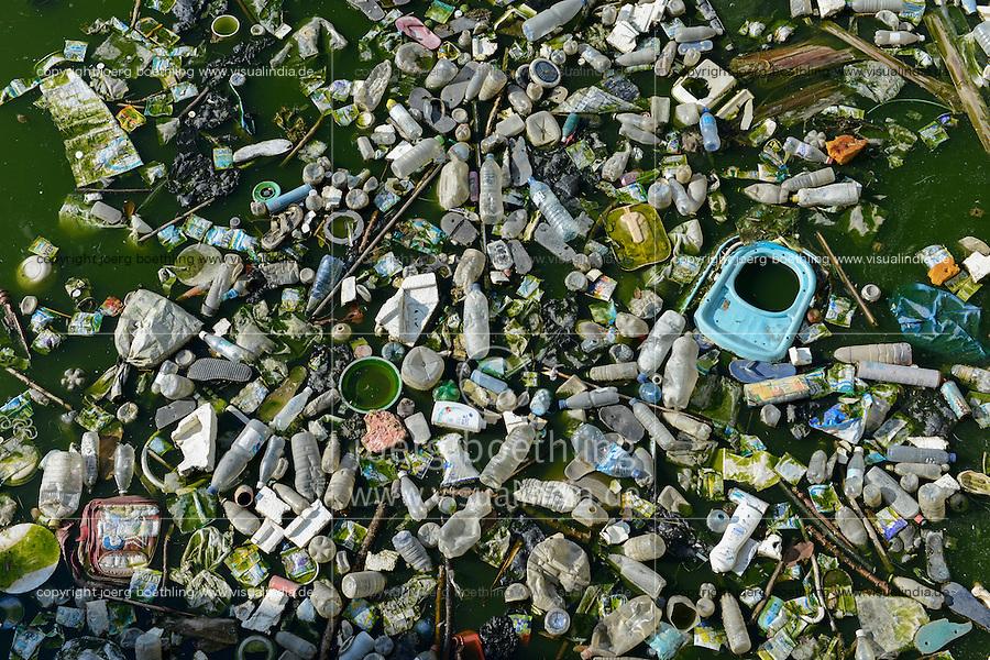 MOZAMBIQUE, Beira, plastic waste in water/ MOSAMBIK, Beira, Plastikmuell im Wasser