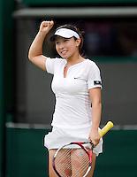 27-6-08, England, Wimbledon, Tennis,   Jai Zheng knoks first seed Ana Ivanovic uit of the tournament