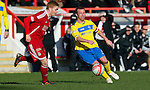 Aberdeen v St Johnstone....19.02.12   SPL.Jody Morris and Fraser Fyvie.Picture by Graeme Hart..Copyright Perthshire Picture Agency.Tel: 01738 623350  Mobile: 07990 594431