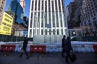 NEW YORK, NY, 19.03.2017 - APPLE-NEW YORK - Vista da fachada da loja da Apple  na Quinta Avenida em Manhattan na cidade de New York neste domingo, 19. (Foto: Vanessa Carvalho/Brazil Photo Press)