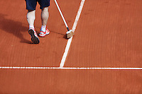 France, Paris , May 27, 2015, Tennis, Roland Garros, Linesweeper<br /> Photo: Tennisimages/Henk Koster
