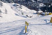 - Courmayeur, tourist resort, ski fields of Plan Checrouit....- Courmayeur, località turistica, campi da sci di Plan Checrouit