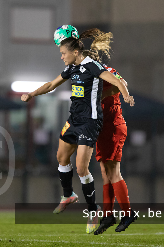 Anaelle Wiard (23) of Eendracht Aalst pictured during a female soccer game between FC Femina White Star Woluwe and Eendracht Aalst on the sixth matchday in the 2021 - 2022 season of Belgian Scooore Womens Super League , friday 8 th of october 2021  in Woluwe , Belgium . PHOTO SPORTPIX   KRISTOF DE MOOR