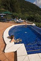 Guatemala, Swimming-Pool im Hotel  Atitlan am Atitlan-See