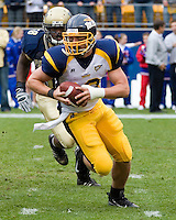 30 September 2006: Toledo quarterback Aaron Opelt..The Pitt Panthers defeated the Toledo Rockets 45-3 on September 30, 2006 at Heinz Field, Pittsburgh, Pennsylvania.
