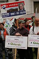 Manif pour sauver le parc du Mont Orford, le 22 avril 2006<br /> <br /> DemonstrationApril 22 2006  in downtown Montreal to save the Orford Park <br /> <br /> Photo : Delphine Descamps /  Agence Quebec Presse