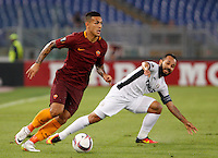 Calcio, Europa League: Roma vs Astra Giurgiu. Roma, stadio Olimpico, 29 settembre 2016.<br /> Roma's Leandro Paredes, left, is challenged by Astra Giurgiu's Junior Morais during the Europa League Group E soccer match between Roma and Astra Giurgiu at Rome's Olympic stadium, 29 September 2016. Roma won 4-0.<br /> UPDATE IMAGES PRESS/Riccardo De Luca