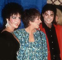 Elizabeth Taylor Liza Minnelli Michael Jackson 1988<br /> Photo By John Barrett/PHOTOlink