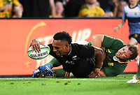 2nd October 2021, Cbus Super Stadium, Gold Coast, Queensland, Australia;   All Blacks wing Sevu Reece scores a try. New Zealand All Blacks versus South Africa Springboks.The Rugby Championship. Rugby Union test match.