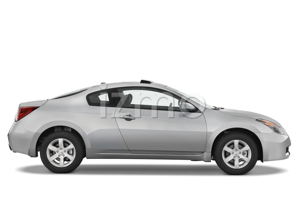 Passenger side profile view of a 2008 Nissan Altma Coupe