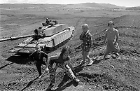 - Kosovo, one of the English tanks Challenger II lines up at the border with the Serbia near city of Podujevo<br /> <br /> - Kossovo, uno dei carri armati inglesi Challenger II schierati al confine con la Serbia nei pressi della città di Podujevo