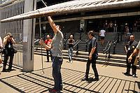 SÃO PAULO-SP-30.11.2014-FUVEST - Atrasados do vestular Fuvest.Universidade Uninove.Região oeste da cidade de São Paulo na manhã desse domingo,30.(Foto:Kevin David/Brazil Photo Press)