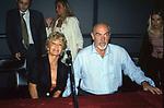 SEAN CONNERY CON LA MOGLIE MICHELINE ROQUEBRUNE<br /> MOSTRA DI MICHELINE ROQUEBRUNE CONNERY AL VITTORIANO ROMA 2001