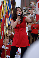 Eva Avila chante à Walt Disney World. (Groupe CNW/Walt Disney Company Parks & Resorts)