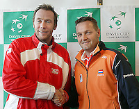 03-03-2005,Swiss,Freibourgh, Davis Cup , Swiss-Netherlands, at the draw coaches Tjerk Bogtstra en Marc Rosset