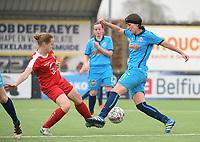 20180414 - DIKSMUIDE , BELGIUM : Diksmuide Merkem's Laurence Alderweireldt (R) and Kontich's Stefanie Van Broeck (L) pictured during a soccer match between the women teams of Famkes Westhoek Diksmuide Merkem and KFC Kontch  , during the 22th matchday in the 2017-2018  Eerste klasse - First Division season, Saturday 14 April 2018 . PHOTO SPORTPIX.BE | DIRK VUYLSTEKE