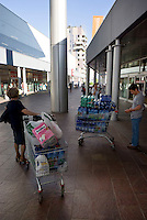 milano, quartiere portello. il centro commerciale --- milan, portello district. shopping centre