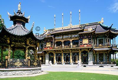 Belgium, Brussels, district Laeken: the Chinese Pavilion at Laeken-Park | Belgien, Bruessel - Stadtteil Laken: der chinesische Pavillon im Laken-Park