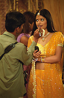 INDIEN Bombay , Bollywood Filmproduktion Baghban in einem Filmstudio in der Filmcity Goregoan / INDIA Mumbai Bombay, Bollywood, film set for Baghban in studio in filmcity Goregoan