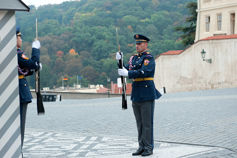 The changing of the guards takes place on the hour, every hour from 5:00am - 11:00pm. At noon the flag ceremony commences with additional guards and music.