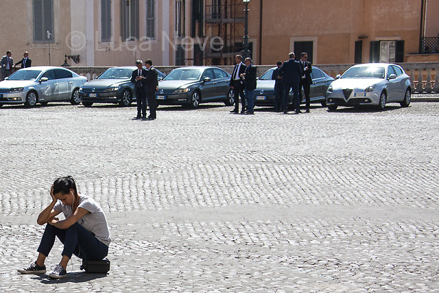 Unknown, Journalist; Politicians's police escorts (Aka Scorte). <br />