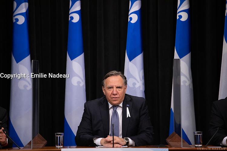 Point de presse <br /> du premier ministre du Québec, M. François Legault,<br /> avec le ministre de la Santé et des Services sociaux, M. Christian Dubé, et le directeur national de la santé publique, M. Horacio Arruda<br /> le  26  Novembre 2020<br /> <br /> PHOTO :  Emilie Nadeau
