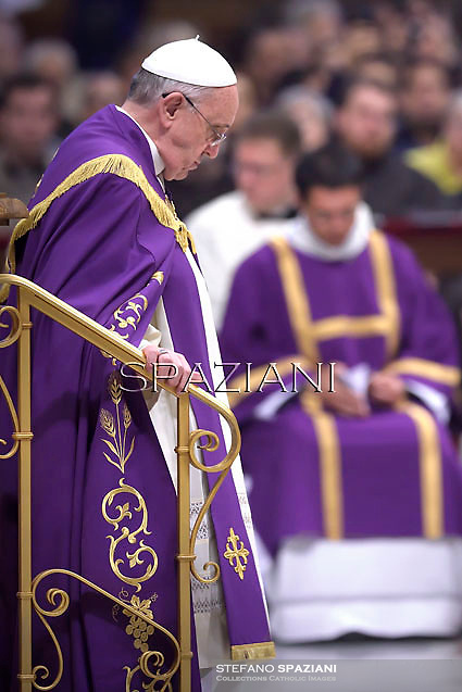 Pope Francis attends a Penitential Liturgy ceremony at St. Peter's Basilica in the Vatican.March 28, 2014