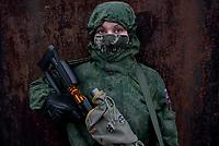 Tanya, Scharfschuetzin der pro-russischen Separatisten, Portrait, Donezk, Ukraine, 10.2014,  19-years old female sniper of the DNR (Donetsk People's Republic) Army portraited on the suburb of Donetsk.  ***HIGHRES AUF ANFRAGE*** ***VOE NUR NACH RUECKSPRACHE***