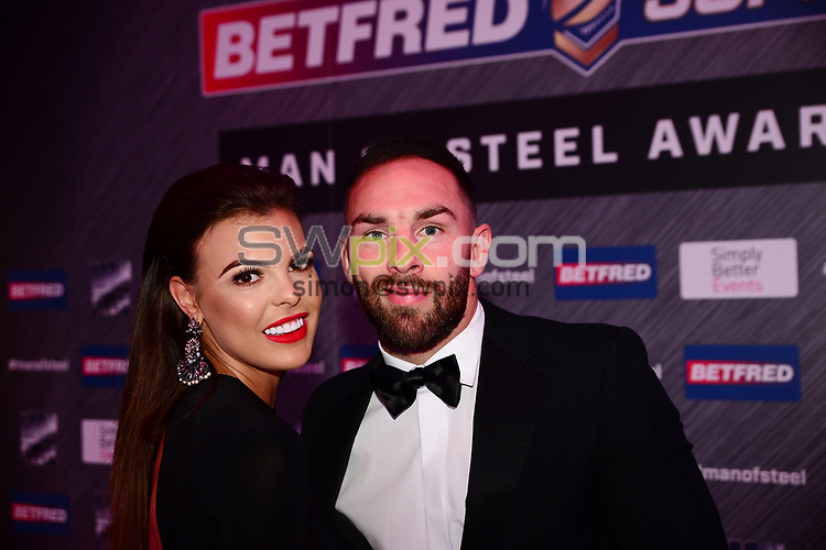 Picture by Simon Wilkinson/SWpix.com - 03/10/2017 - Rugby League BETFRED Super League Man of Steel Awards Dinner 2017 - The Steve Prescott MBE Man of Steel - Castleford Luke Gale and partner Kirby Timmins on the red carpet