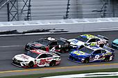 #20: Erik Jones, Joe Gibbs Racing, Toyota Camry Sport Clips and #9: Chase Elliott, Hendrick Motorsports, Chevrolet Camaro NAPA Batteries