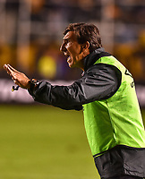 LA PAZ - BOLIVIA - 09 - 03 - 2017: Gustavo Costas, técnico de Independiente Santa Fe de Colombia, durante partido entre The Strongest de Bolivia y el Independiente Santa Fe de Colombia, por la fase de grupos del grupo 2 de la fecha 1 por la Copa Conmebol Libertadores Bridgestone en el estadio Hernando Siles Suazo, de la ciudad de La Paz. / Gustavo Costas, coach of Independiente Santa Fe of Colombia, during a match between The Strongest of Bolivia and Independiente Santa Fe of Colombia for the group stage, group 2 of the date 1 for the Conmebol Libertadores Bridgestone in the Hernando Siles Suazo Stadium in La Paz city. Photos: VizzorImage / Javier Mamani / APG / Cont.