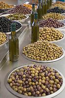 Asie/Israël/Galilée/Golan/Kyriat Shemona: le marché étal d'olives et d'huile d'olive