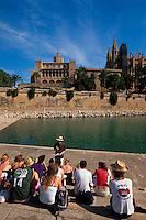 Spanien, Mallorca, Palast Almudaina und Kathedrale La Seu in Palma de Mallorca
