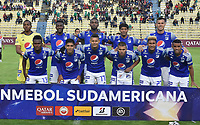 LA PAZ- BOLIVIA, 20-02-2020: Jugadores de Millonarios, posan para una foto, durante partido entre Club Always Ready (BOL) y Millonarios (COL) por la Copa Conmebol Sudamericana 2020, jugado en el estadio Hernando Siles de la ciudad de La Paz. / Players of Millonarios, pose for a photo, during a match between Club Always Ready (BOL) and Millonarios (COL), for the Copa Conmebol Sudamericana 2020 at the Hernando Siles stadium in La Paz city. / Photo: VizzorImage / Daniel Miranda / Agencia de Prensa Grafica / Cont.