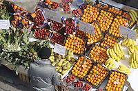 - Milan, street market <br /> <br /> - Milano, mercato rionale