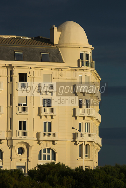 France, Aquitaine, Pyrénées-Atlantiques, Pays Basque, Biarritz:  Hôtel Régina, Avenue de l'Impératrice //  France, Pyrenees Atlantiques, Basque Country, Biarritz: The Mercure Thalassa Régina & Golf