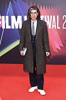 James Lance bei der Premiere des Kinofilms 'The Lost Daughter' auf dem 65. BFI London Film Festival 2021 in der Royal Festival Hall. London, 13.10.2021 . Credit: Action Press/MediaPunch **FOR USA ONLY**