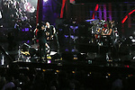 ROCK & ROLL HALL OF FAME CONCERT AT MADISON SQUARE GARDEN metallica,