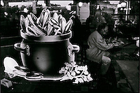 Europe/France/Nord-Pas-de-Calais/59/Nord/Dunkerque: Représentation de Moules Frites sur la vitrine d'un bar du port