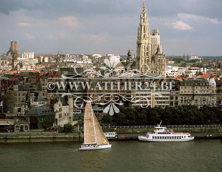 Juni 1998. Kathedraal Antwerpen.