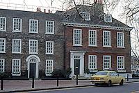 London: Richmond Riverside, Bridge St.--elevation.  Photo '90.