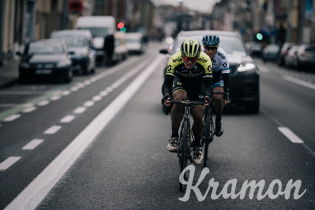 After a crash with 20km to go, Matteo Trentin (ITA/Mitchelton Scott) has to put in a mighty effort to be able to return to the peloton. Teammate Robert Stannard (AUS/Mitchelton-Scott) dropped back to help him return.<br /> <br /> 71th Kuurne-Brussel-Kuurne 2019 <br /> Kuurne to Kuurne (BEL): 201km<br /> <br /> ©kramon
