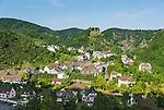 Germany, Rhineland-Palatinate, Ahr-Valley, Altenahr: wine village with castle ruin Are | Deutschland, Rheinland-Pfalz, Ahrtal, Altenahr: Weinort mit der Burgruine Are