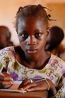Mali , Maedchen in Schule des Dorf Sido / Africa Mali - girl in school in village Sido